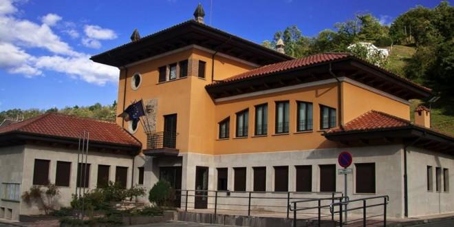 Ayuntamiento de Bimenes. Ayudas para la compra de material escolar curso 2019/2020